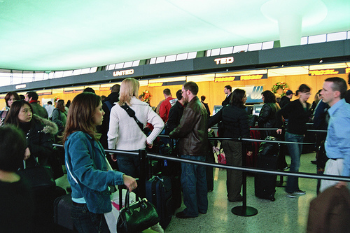 Long Lines at Dulles, by cafemama (Creative Commons)
