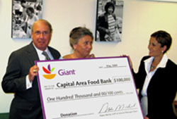 Giant Donates $100,000 to Capitol Area Food Bank