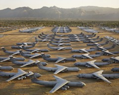 AMARC #5, Davis-Monthan AFB, Tucson, Arizona, USA, 2006. Chromogenic color print. Photograph © Edward Burtynsky