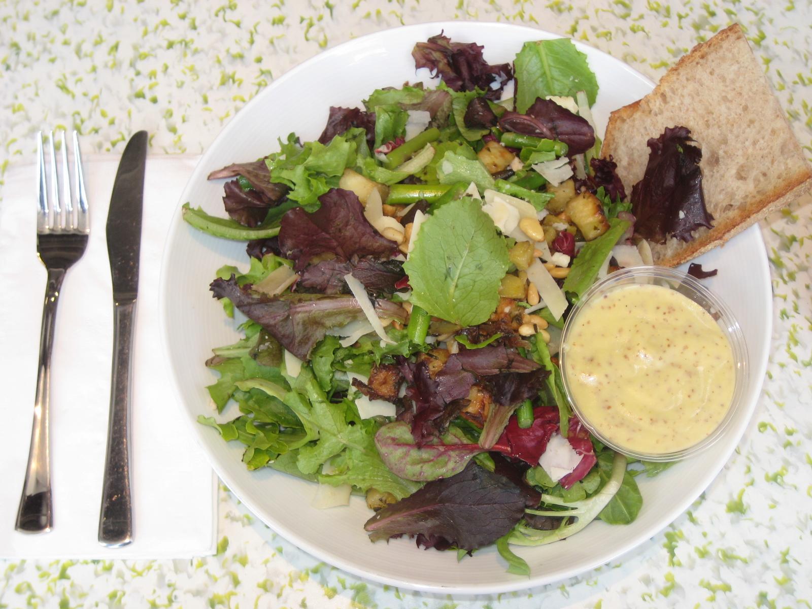 Mixt Greens Salad