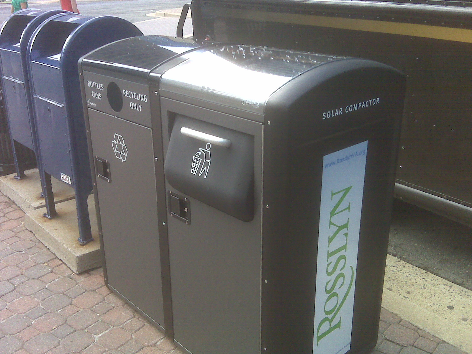 Fancy Solar Compactors Spotted In Rosslyn We Love Dc