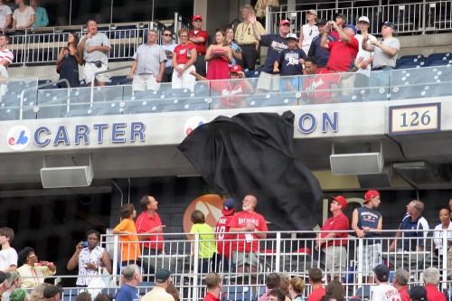 2010-08-10-dawson-cloth-comes-down-500x333.jpg