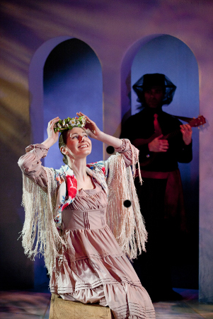 Julie Garner and Matthew Pauli in Constellation Theatre Company's production of Blood Wedding. Photo credit: Scott Suchman.