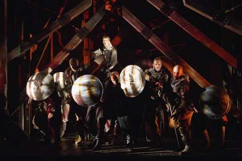 King Henry (Zach Appelman) leads his men in the Battle of Agincourt. Folger Shakespeare Theatre. Photo credit: Scott Suchman.
