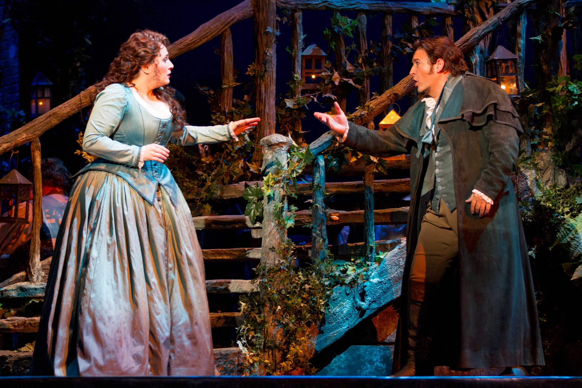 (l-r)  Patricia Racette as Manon Lescaut and Kamen Chanev as Chevalier des Grieux. Photo by Scott Suchman for WNO.
