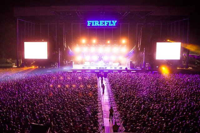 Crowd at Firefly mainstage at night (Photo courtesy Firefly Music Festival)