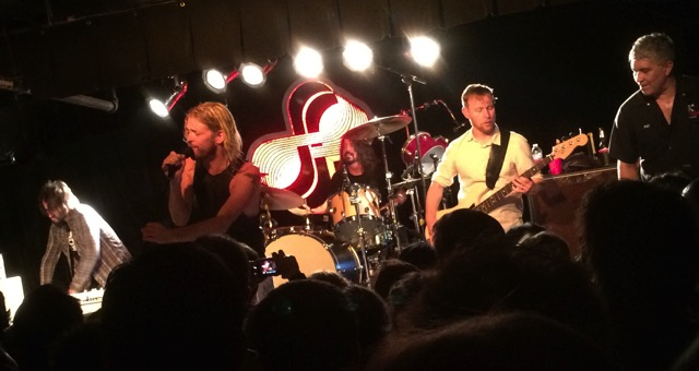 Taylor Hawkins fronts the Foos for a cover of Cheap Trick